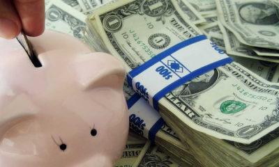 depositar nuestros ahorros en un banco