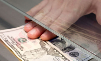 ¿Cuantos dólares puedo depositar en el banco?