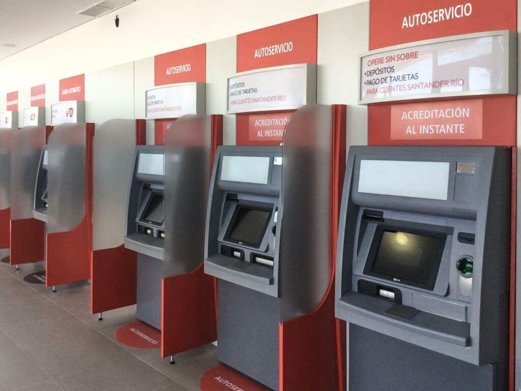 Cómo depositar por cajero automático en Santander Rio